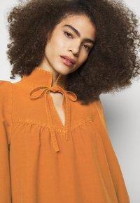 See by Chloé - Vapaa-ajan mekko - vivid brown - 6