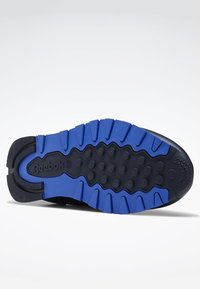 Reebok Classic - CLASSIC LEATHER SHOES - Sneaker low - blue - 3