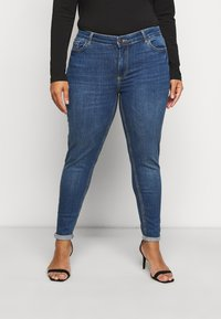 Pieces Curve - PCDELLY  - Jeans Skinny Fit - medium blue denim - 0