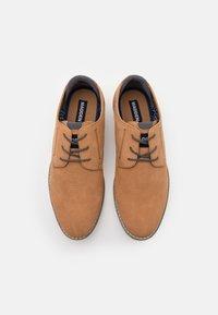 Madden by Steve Madden - CLIPER - Sznurowane obuwie sportowe - cognac - 3