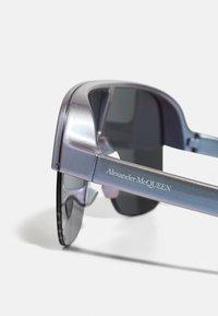 Alexander McQueen - UNISEX - Sunglasses - violet/silver - 5