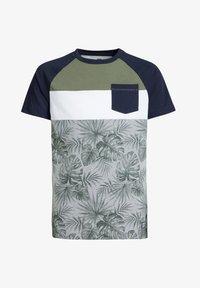 WE Fashion - T-shirt con stampa - dark green - 0