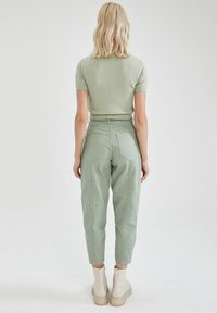 DeFacto - SLIM FIT - Relaxed fit jeans - green - 2