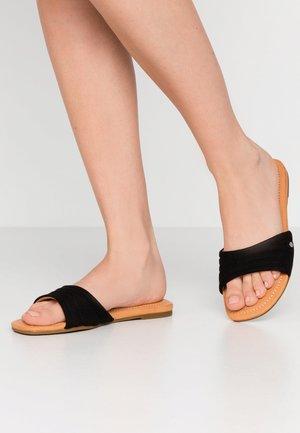 JURUPA - Pantofle - black