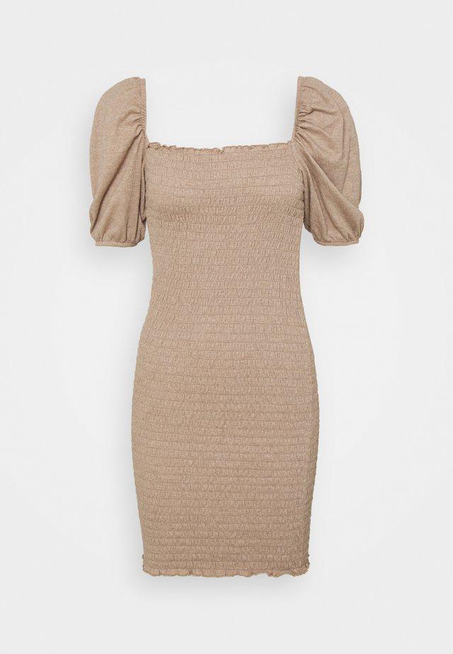 ONLNALENA SMOCK DRESS - Jerseyjurk - almondine