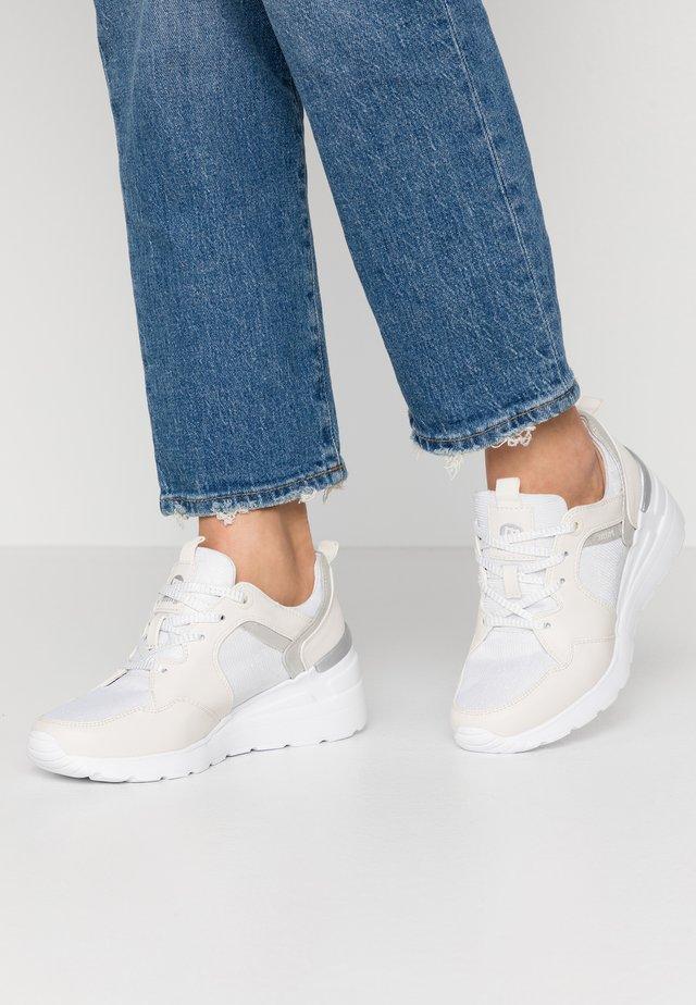 MELANIA - Sneaker low - offwhite