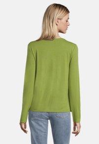 Betty Barclay - MIT GLANZEFFEKT - Blouse - turtle green - 2