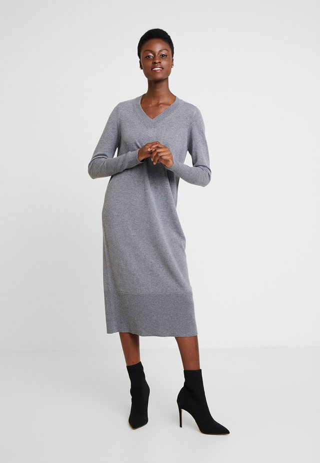 Sukienka dzianinowa - gravel grey