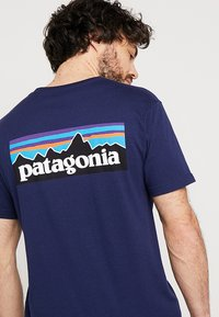 Patagonia - LOGO ORGANIC - Print T-shirt - classic navy - 5