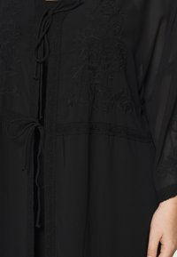 Zizzi - MAUNDREY 3/4 - Summer jacket - black - 4