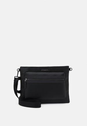 COMMUTE LAPTOP SLEEVE - Taška na laptop - black