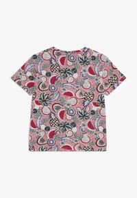 Puma - CLASSICS FRUIT TEE - Camiseta estampada - pink - 1
