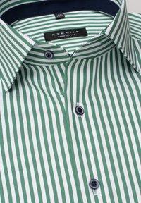 Eterna - COMFORT FIT - Shirt - grün/weiss - 4