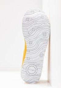 Woden - NORA II PLATEAU - Sneaker low - mango - 6