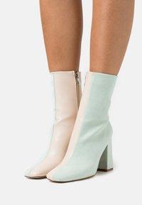 RAID - VANEZA - Classic ankle boots - mint /nude - 0