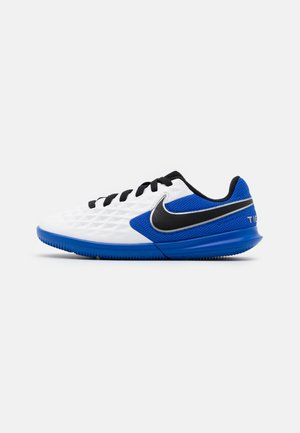 TIEMPO JR LEGEND 8 CLUB IC UNISEX - Chaussures de foot en salle - white/black/hyper royal/metallic silver