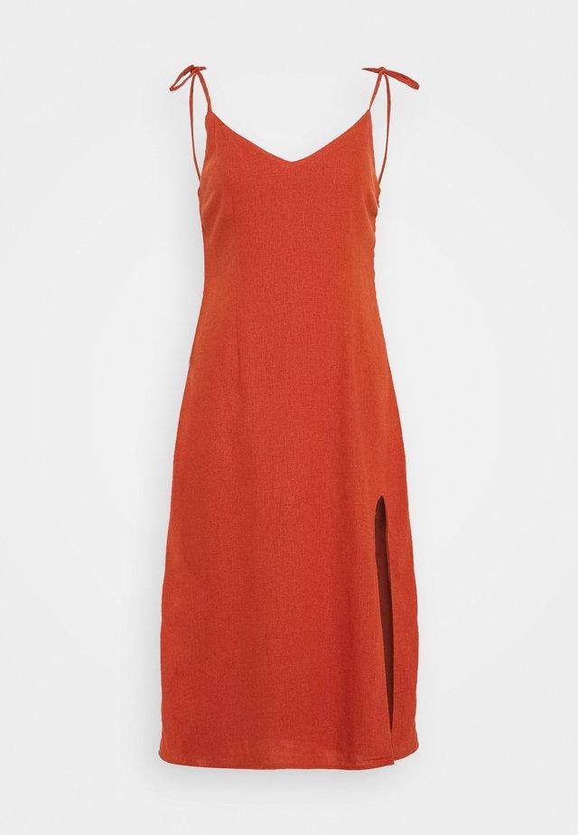 SIDE SLIT MIDI - Day dress - auburn