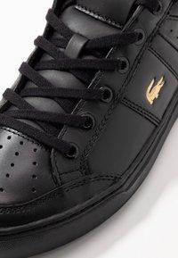 Lacoste - COURTLINE - Sneakersy niskie - black - 5