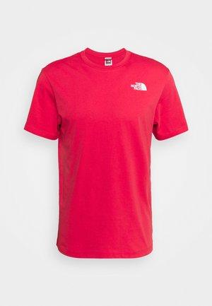 REDBOX TEE - Print T-shirt - rococco red