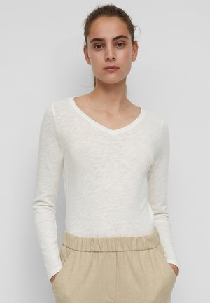 Long sleeved top - silky white