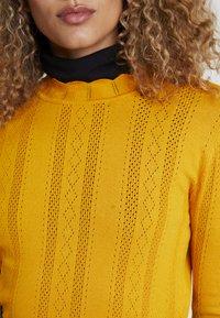 TOM TAILOR DENIM - STRUCTURED MOCK NECK - Jumper - sunflower yellow - 5