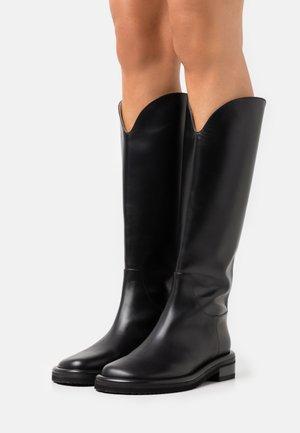 PIPE RIDING BOOTS - Klassiska stövlar - black