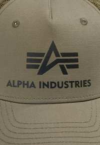 Alpha Industries - BASIC TRUCKER UNISEX - Gorra - dark green - 5