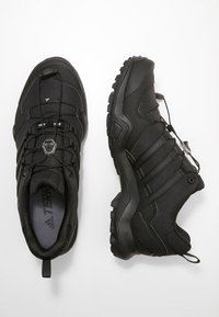 adidas Performance - TERREX SWIFT R2 HIKING SHOES - Obuwie hikingowe - coren black - 1