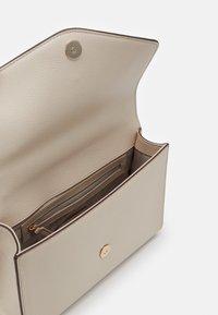DKNY - ELLA SHOULDER FLAP - Across body bag - eggshell - 3