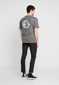 New Look - PASO HARRY GINGER HIGHLIGHT CHECK  - Pantalon de costume - dark brown - 2