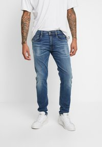 Replay - ANBASS HYPERFLEX BIO - Slim fit jeans - medium blue - 0