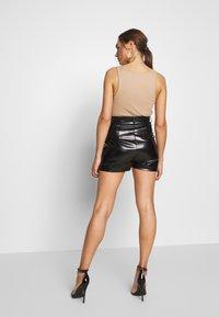 Missguided - STITCH DETAIL - Shorts - black - 2