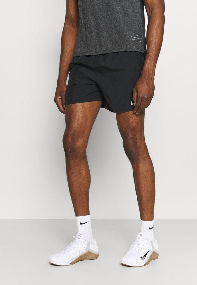 CHALLENGER SHORT - Sports shorts - black/silver