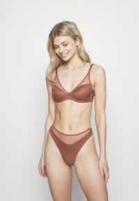 Agent Provocateur - LUCKY PADDED BRA - Underwired bra - chocolate - 1