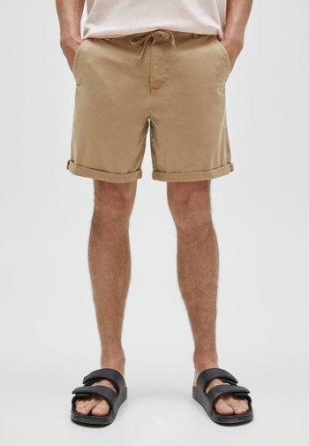 Short - dark brown
