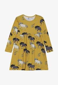 Walkiddy - Žerzejové šaty - dark yellow - 3