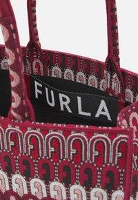 Furla - OPPORTUNITY TOTE - Tote bag - toni ciliegia - 4