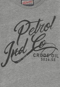 Petrol Industries - Print T-shirt - light grey - 4