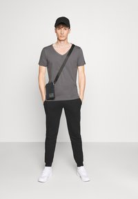 Replay - T-shirt basic - mouse grey - 1