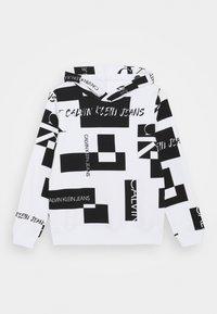 Calvin Klein Jeans - PATCH LOGO HOODIE - Hoodie - white - 0