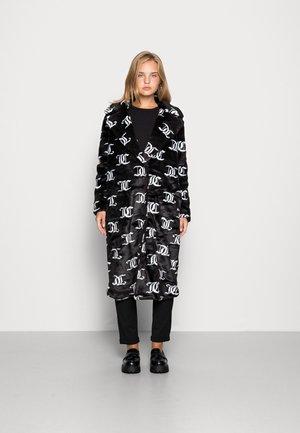 CHUBBY MONO FUR COAT - Zimní kabát - black