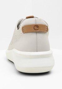 Clarks - UN RIO TIE - Baskets basses - white - 4