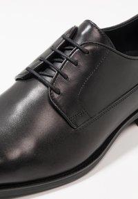 Geox - NEW LIFE - Business sko - black - 5
