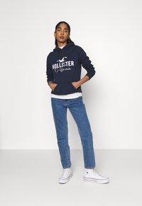 Hollister Co. - CHAIN TECH CORE - Hoodie - navy - 1