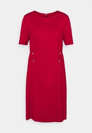Shift dress - burgundy