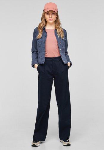 Denim jacket - faded blue