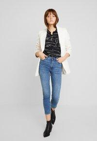 ONLY - ONLSIENNA SLIM ANKLE - Jeans Skinny - medium blue denim - 1