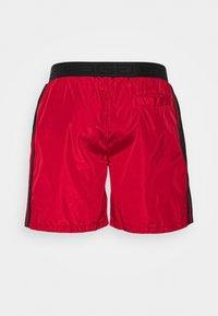 Glorious Gangsta - HARLAN - Shorts - red - 5