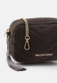 Valentino Bags - CARILLON - Rumpetaske - grigio - 3