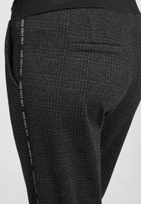 Cartoon - Pantalon classique - schwarz/grau - 4